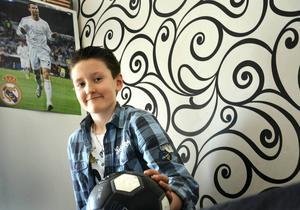 Elvaårige Alexanders familj är utvisningshotad. Alexander har bott i Sverige hela sitt liv.