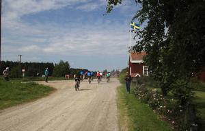 Och så hade de alla gett sig ut på en 16 km lång cykeltur.