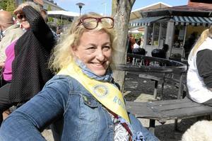 Petra Klawatsch passade på att samla in pengar till hjälpbehövande via Rotary.