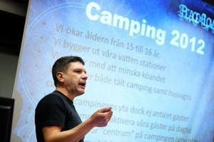 Per-Arne Lundqvist, campingchef för Peace & Love, kunde berätta att åldersgränsen för campingen i sommar höjs från 15 till 16 år. På campingområdet kommer det också att satsas mera på aktiviteter och annat som ska öka trivseln.