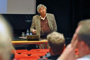 Steve Wretman, föreläsare, lärare och redaktör för Grundskoletidningen, höll en föreläsning under rubriken: