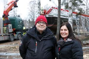 Projektledaren Kjell Nordeman och kommunalrådet Catarina Pettersson tycker båda att det är rätt att satsa på Albert. Pråmen kan bli ett lyft för turismen och ger sysselsättning åt arbetslösa.