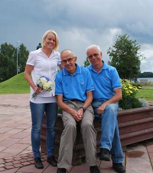 Den ideellt arbetande styrelsen i IFK Mora Idrottsallians slår sig ner och vilar när den nya chefen Karin Ersson tillträder under september eller oktober i år. På bilden tillsammans med ordförande Olle Andersson (mitten) och Bo Thunberg, sekreterare.