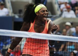 Serena Williams fick kämpa för segern i den andra omgången.