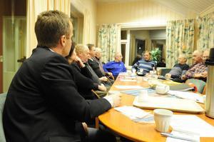 Lars-Göran Karlsson förklarar varför banken nu lämnar Idre för bekymrade företagare i Idre.