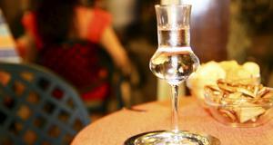 Grappa, som egentligen tillverkas främst i norra Italien, är en bra avslutning på de generösa middagarna.
