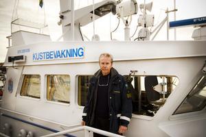 Björn Lundmark på Kustbevakningen, är en av de som kommer ha koll på att fiskenät inte används längs Gävleborgskusten under förbudet.