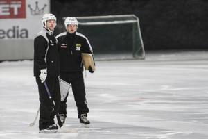 Duo tar över efter sparkade Jesper Söderbäck.