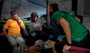 I Insparks studio ryker det från ÖSK-spelarnas munläder när det snackas fotbolls-VM i Sydafrika.
