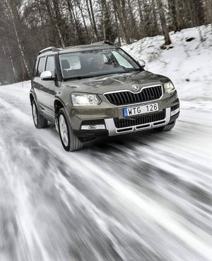 Bildtext 1-2: Snömannen Yeti har i Skodas regi blivit en fullfjädrad vintersportare som inte räds svenska vintervägar. Det uppgraderade Haldex-systemet ser till att i varje ögonblick fördela drivkraften till de hjul som har bäst grepp.Foto: Anders Wiklund/TT