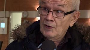 57-åringens ombud Hans Bauge säger att länsstyrelsens beslut rätt och slätt bygger på ryktesspridning från Norge. Där är kvinnan dömd för djurplågeri och belagd med hundförbud.