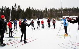 """17 skidåkare från i stort sett hela landet delar i helgens """"Vasaloppsläger"""" på Snöån i Järna. FOTO: LEIF OLSSON"""