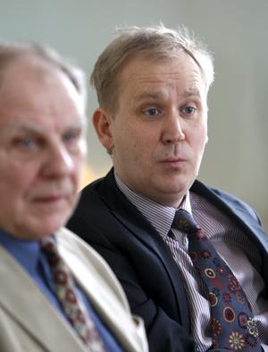 Bo Englund, tidigare Fortum-representant i Kemab-styrelsen, och Fortum Sveriges vd Per Lange säger att delar av Kemab:s verksamhet, som sophantering, va och bredband, inte passar in i Fortums verksamhet.