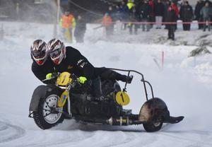 Daniel och Tomas Andersson segrade i sidvagnsklassen efter en frän uppvisning i finalen.