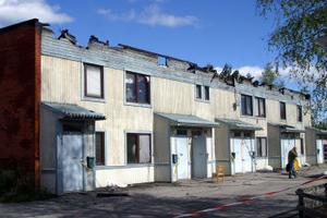 Än så länge är inget beslut fattat om vad som ska hända med flerfamiljshuset i Torpshammar efter den våldsamma branden i maj.
