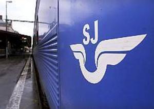 ARKIVBILD Förseningar. SJ-tåget 23.15 från Stockholm blev på tisdagskvällen stående i skogen utanför Uppsala i fem timmar. Ingen ersättningsbuss sattes in.
