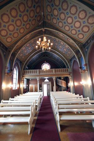 Kyrkorummet med sina utsmyckningar och handmålade väggar är kulturhistoriskt intressant, enligt k-märkningen från 1980-talet.