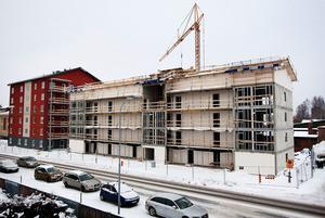 Att bygga fler nya bostäder räcker inte. Hyressättningen måste bli friare. Här en tidigare nybyggnation i Ludvika.