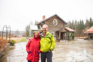 Sedan 1990 har Cecilia och Leif Öster ägt marken som Dalagård i dag står på, men det var först för åtta år sedan som byggnaderna byggdes. Nu bedriver paret ekoturism på gården.