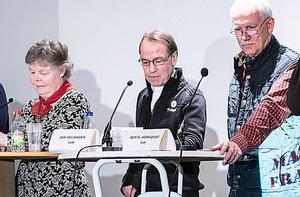 Jan Selander, i mitten, representerade Sverigedemokraterna #Sundsvalltycker i Matfors i april.
