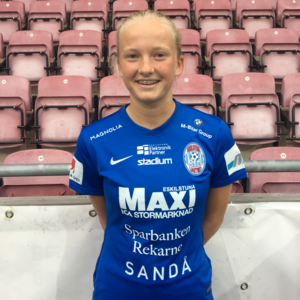16-åringen Cornelia Ellefors fick göra Damallsvensk debut i Eskilstunas match mot LB07.