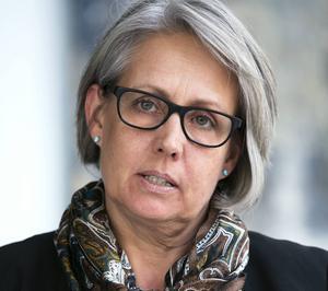 Regionchefen Tiina Ohlsson upptäckte strax innan jul varför inte EU godkänt charterflygplatsen, vare sig departement eller Trafikverket hade lyft ett finger