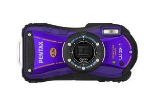 l Pentax Optio WG-1. Pentax vattentåliga kamera ser verkligen tuff ut, som gjord för hårda tag och med inbyggd karbinhake. Under den ruffa ytan finns 14 megapixlars upplösning och ett zoomomfång från 28 till 140 millimeter. Den klarar tio meters vattendjup och ett tryck på 100 kilo. Den har också geotaggning, det vill säga en inbyggd gps som markerar var du tar bilderna.Prisintervall: 2 742–3 645 kronor.