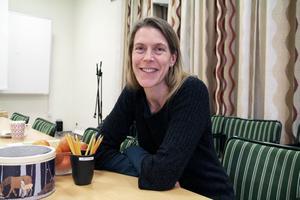 Bejaka din fantasi och strunta i om det känns fel i början, är Viveka Sjögrens råd till de självkritiska.