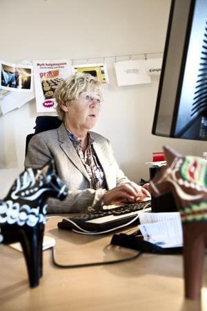 Redaktionschef Ewa Wirén svarar på läsarnas frågor om kommentarsfunktionen på DT:s hemsida.