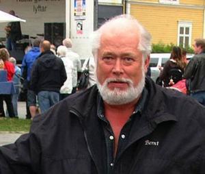 Berndt Hellström, Hammarstrand, byggde om gammal lada till sportstuga och får troligen straff för svartbygge.