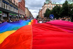 Från Prideparaden i Stockholm 2003.