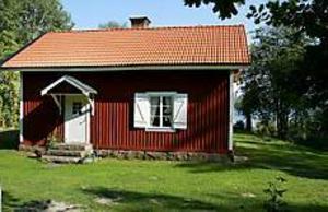 Foto: ANNAKARIN BJÖRNSTRÖM Ett klipp. Ulrica Messing har sålt sitt sommarhus vid Storsjön för 740 000 kronor. Hon köpte det för två år sedan. Köpesumman då: 285 000 kronor.