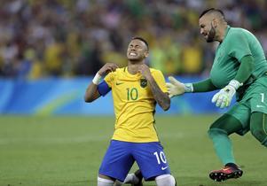 Neymar och målvakten Weverton blev guldhjältar för Brasilien i fotbollsfinalen mot Tyskland.