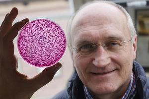 Överläkaren Lars–Erik Olofsson skriver att vi ska vara stolta över placeringen men att det ännu finns mycket att göra för att motverka antibiotikaresistens.