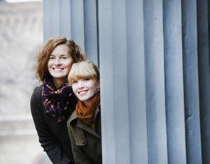 Journalisten Helen Granditsky och byggnadsantikvarier Erika Åberg har sammanställt nya Gävleboken