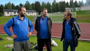 Tre av nyckelpersonerna i IFK Sundsvall just nu är A-lagstränaren Mikael Kotermajer, division V-lagets tränare Fredrik Allgren samt sportchefen Kenneth Kile.