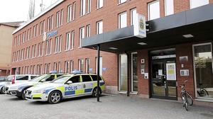 En man har åtalats misstänkt för att ha haft narkotika på sig när han vistades på polisstationen i Borlänge.