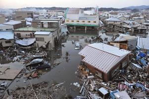 Hus som spolats med av tsunamin i Kesennuma, Miyagi.