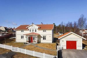 Mäklarhuset, sålde denna villa på Södra Mårtensbacken.