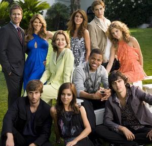 90210: återkomsten. Det nya, vuxnare Beverly Hills börjar gå på svensk tv i dag.