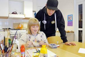 Lilla Sätraskolan är en av fem skolor som varje vecka får besök av Brynäs elitspelare.