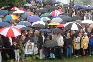 Regn och rusk präglade i alla fall inledningen av studentfirandet för avgångseleverna vid Voxnadalens gymnasium.