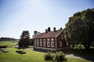 Sommaridyllen Byhuset på Rödön.