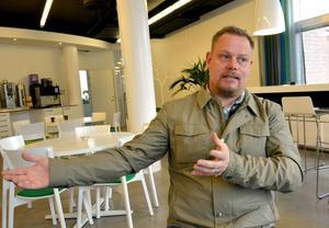 Mikael Skillt målar upp sitt idealsamhälle.