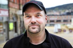 Magnus Olsson, Timrå:– Jag är inte så insatt men lite smutskastning har det allt varit. Det är kanske så det ska vara.
