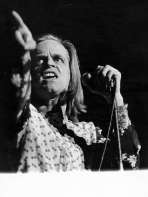 Under 1971 turnerade Klaus Kinski runt i Europa med en enmansföreställning där han spelade ingen mindre än Jesus Kristus.