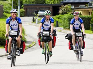 Oscar Andersson, Axel Sjölund och Oskar Lundqvist bestämde sig för att göra en resa tillsammans. Att de skulle cykla genom hela Sverige trodde nog ingen av dem.