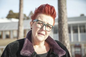 Anna Sundqvist, verksamhetschef vid vuxenpsykiatrin i Gävleborg, beklagar nedläggningen av Hjälplinjen.