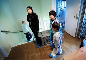 Maria Luisa Parian Hallqvist berättar att hon valt bort hus där det luktat mögel av rädsla för kostnader för att åtgärda problemen.