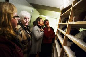 På Jamtli finns cirka 10 000 textiler enbart i den typen av samling, men om samlingarna ska kunna bevaras för framtida generationer behövs mer resurser. I dagsläget finns en konservatorstjänst.
